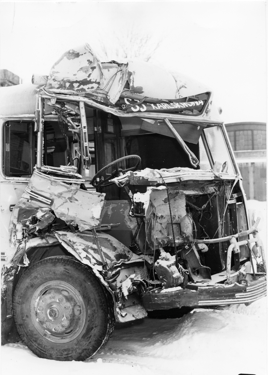 Statens Järnvägar, SJ buss 2138. Krockad Buss SCANIA-VABIS B63.