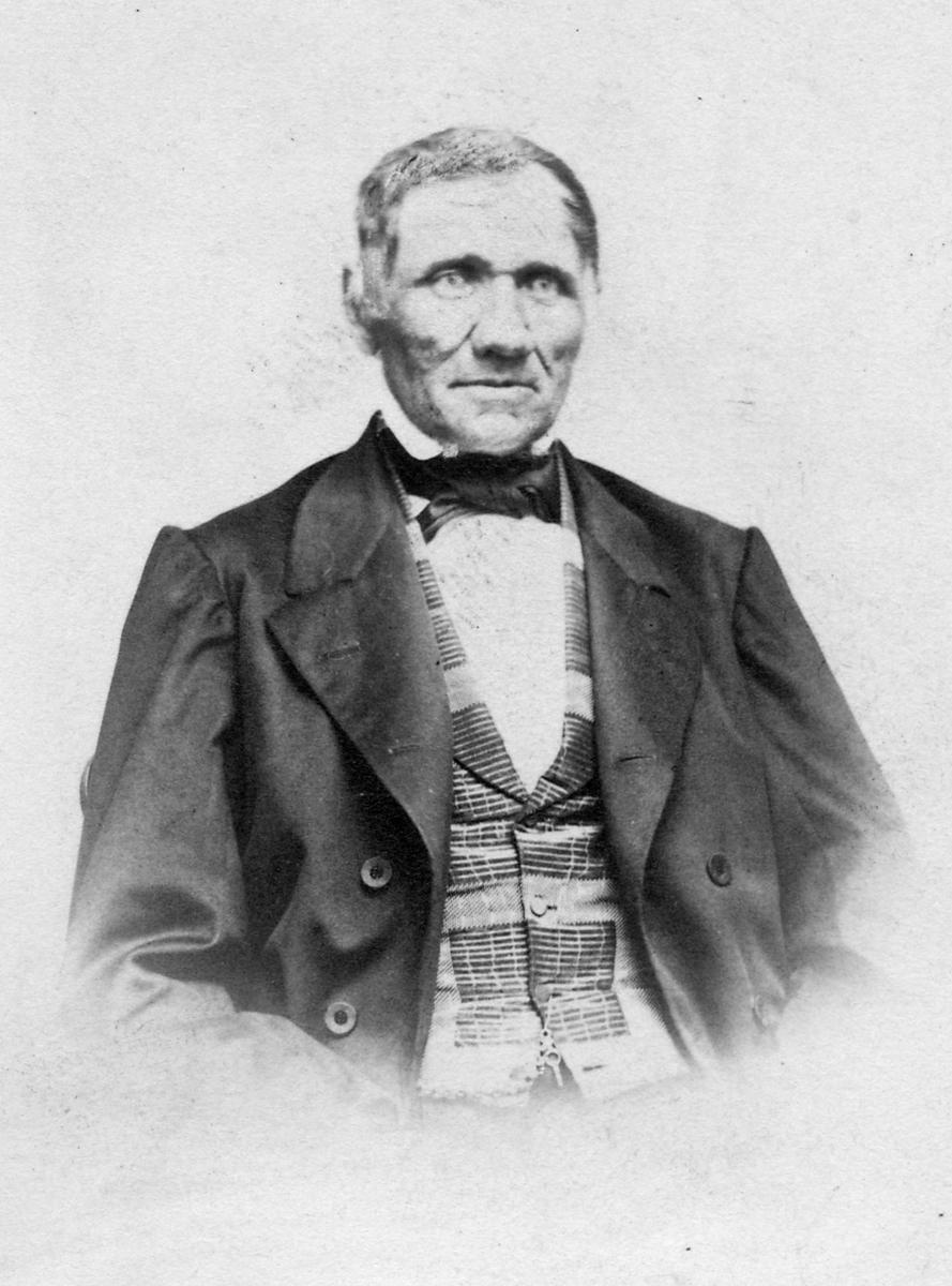 Fredrik Sundler, järnvägsbyggnadsentreprenör, förste stationsinspektör vid Vårgårda station 1864-1867.