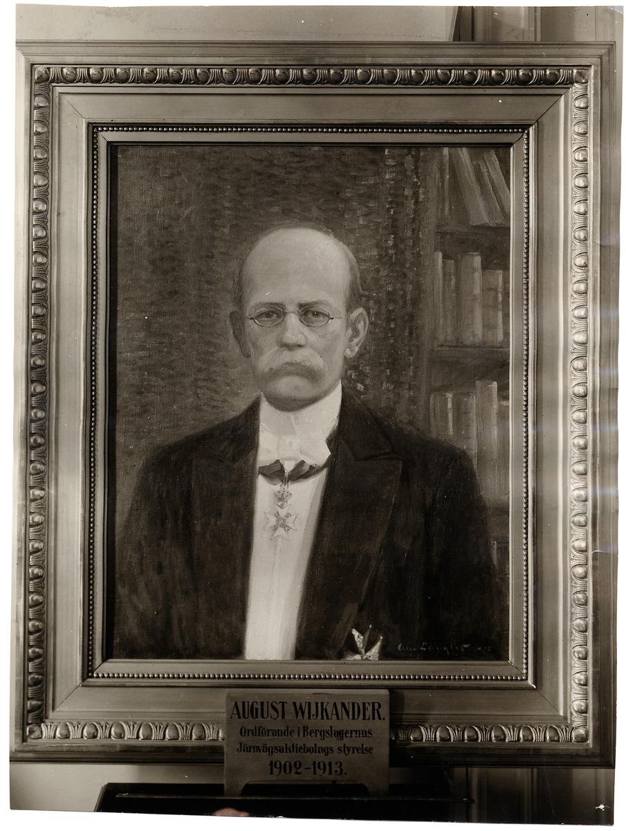 Porträtt av Professor August Wijkander, ordförande i Bergslagernas Järnvägsaktiebolags styrelse 1902-1913.