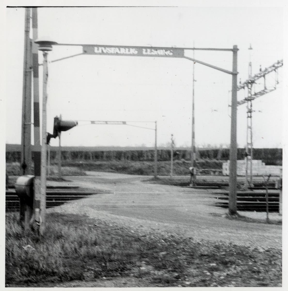Järnvägsövergång vid Billeberga bangård, västra delen.