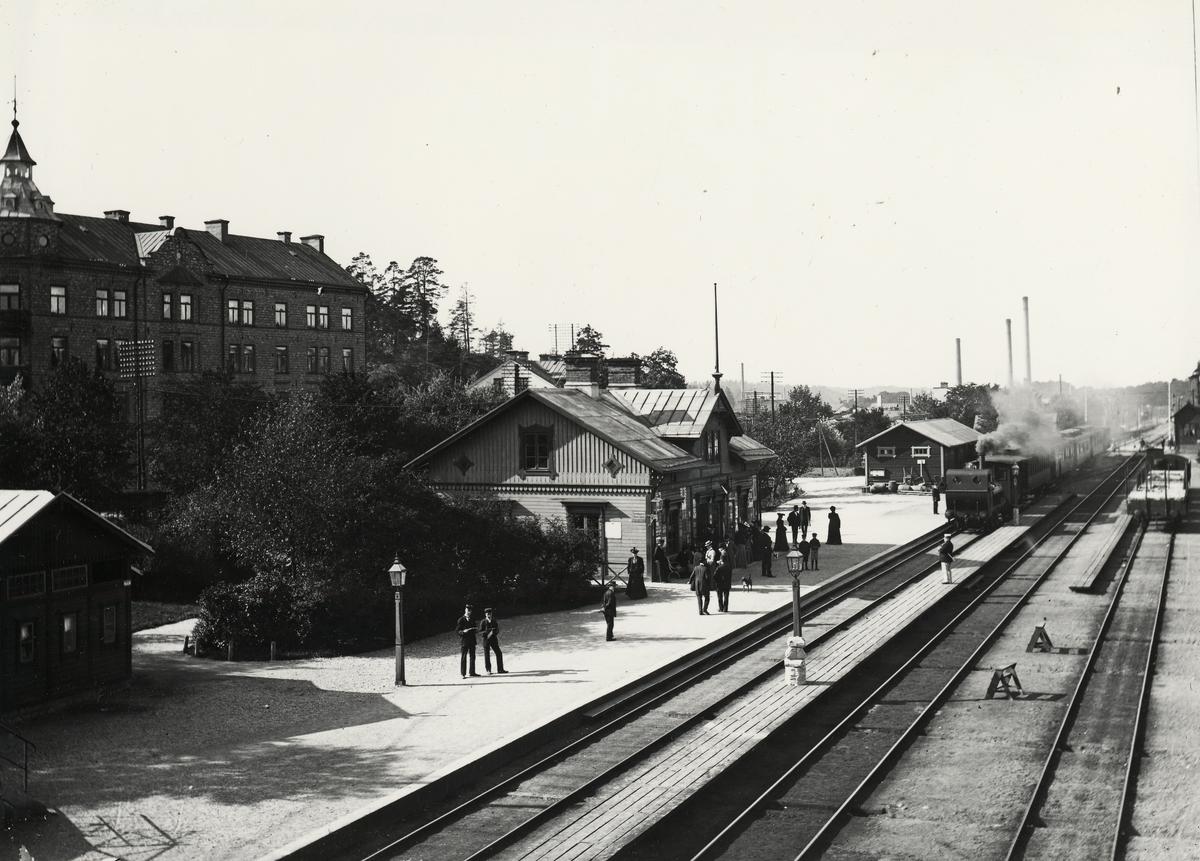 Sundbybergs station 1903. Stins Ågren i tjänst.