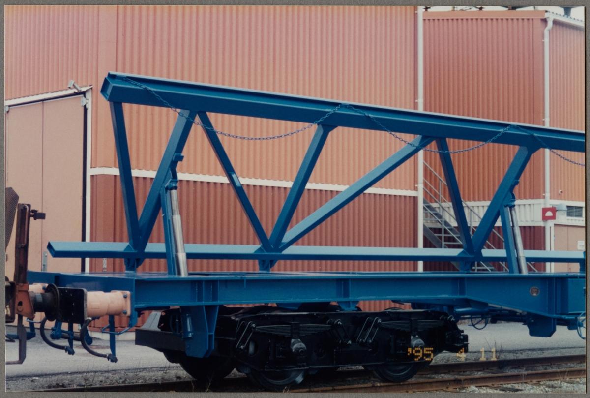 Detaljbild av transportvagn för växlar, Statens Järnvägar, SJ Sklps 84-74-474 9 000-0.