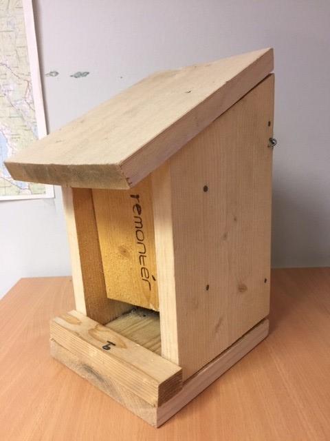 Bilde av en foringsautomat for fugler