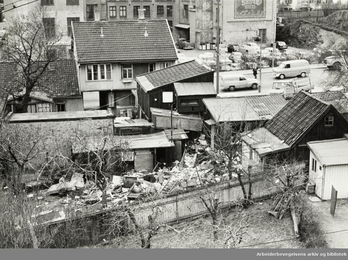 Etterstadgata 3. Mai 1971