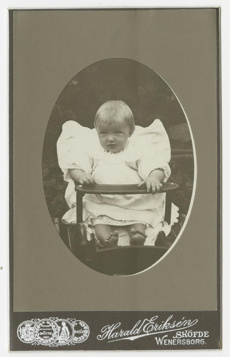 Porträtt av okänt barn.