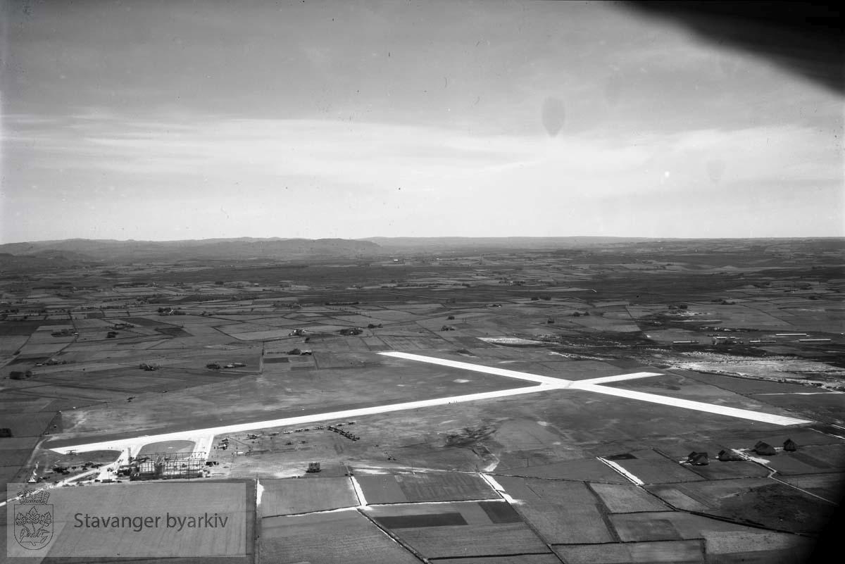 Sola Flyplass mot sørøst.