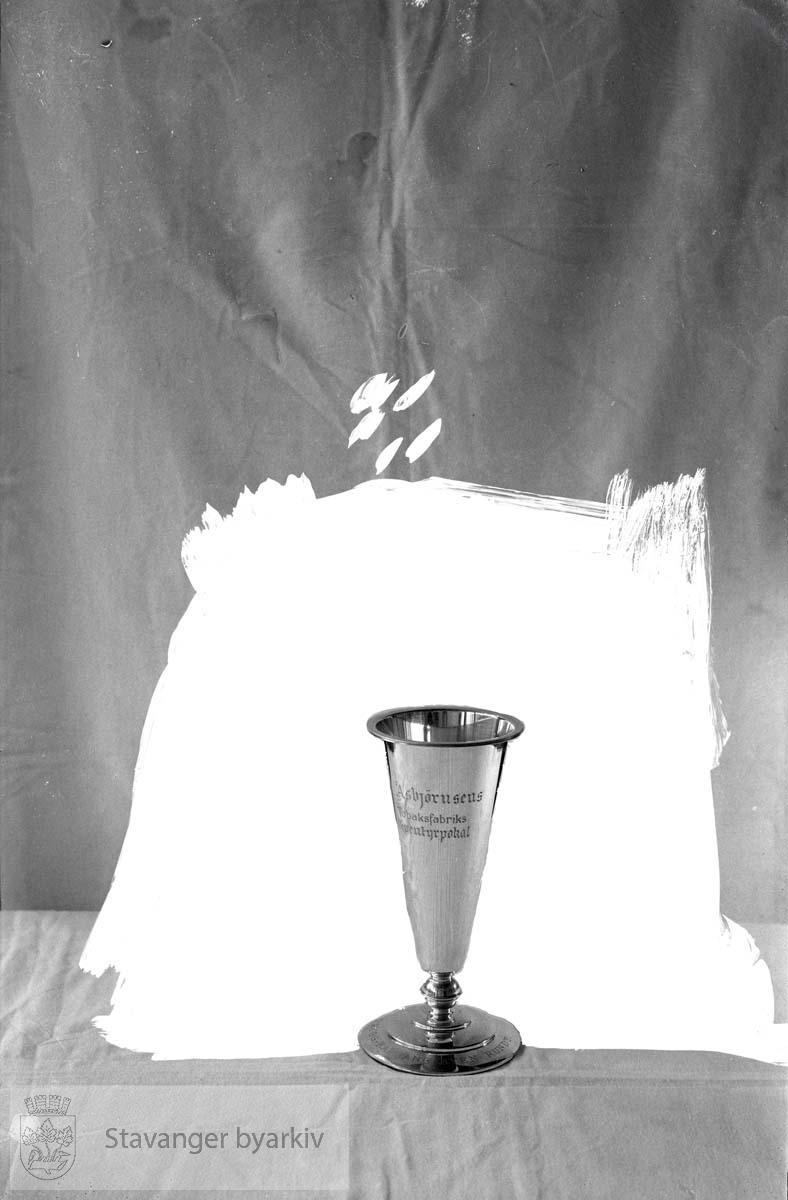 Pokal til Asbjørnsens Tobakk