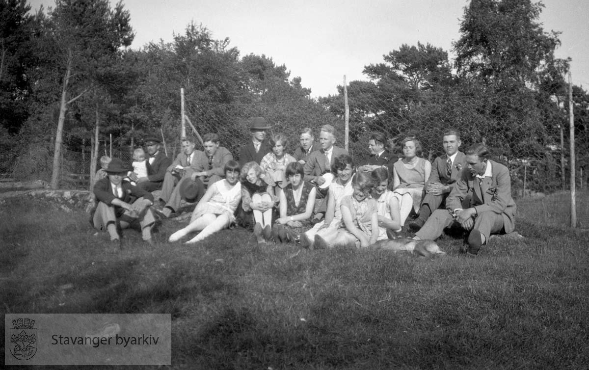Tur / utflukt .St. Hans Kalvøen 1929