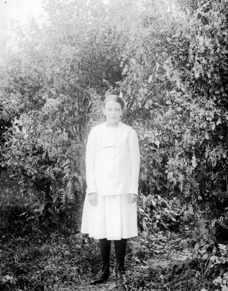 Portrett av ung Magda Alsberg, Fåberg