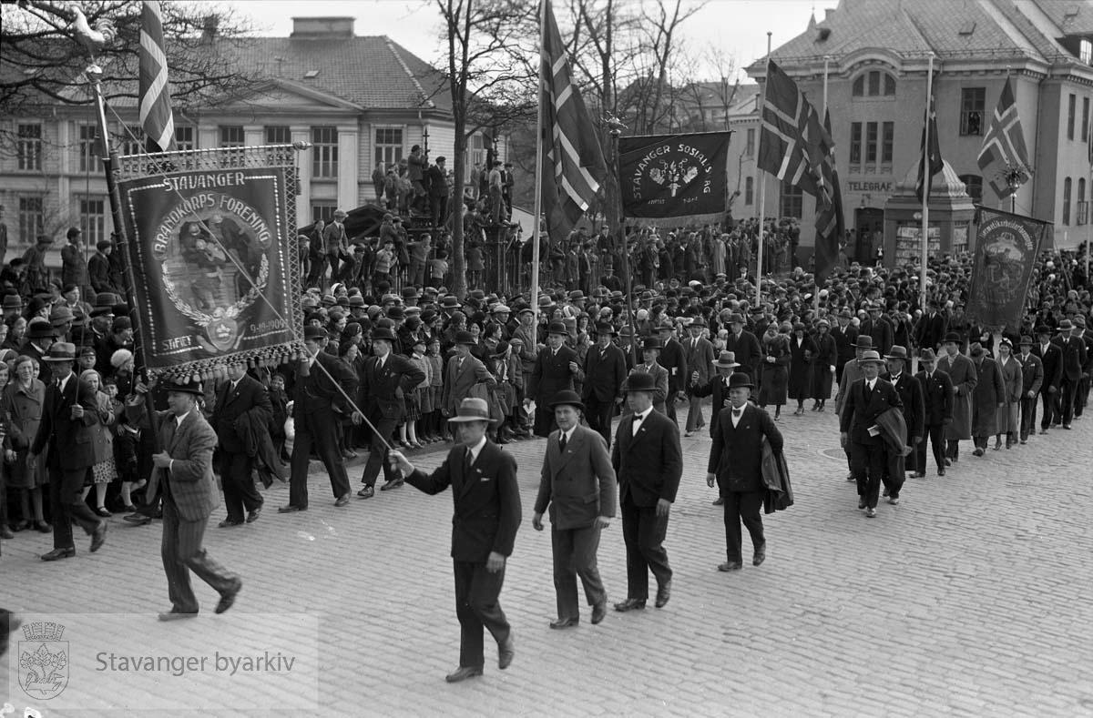 1. mai. tog.Stavanger brandkorps forening.Stavanger sosialistlag