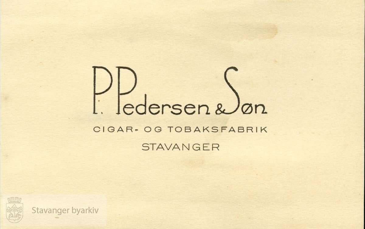 """Cigar og tobaksfabrik..Overskrift fra fotoalbum:.""""Erindring om Tobaksfabriken og Arbeidskamerater"""" .....Skannet fra album etter tobakksfabrikken P. Pedersen & Søn."""