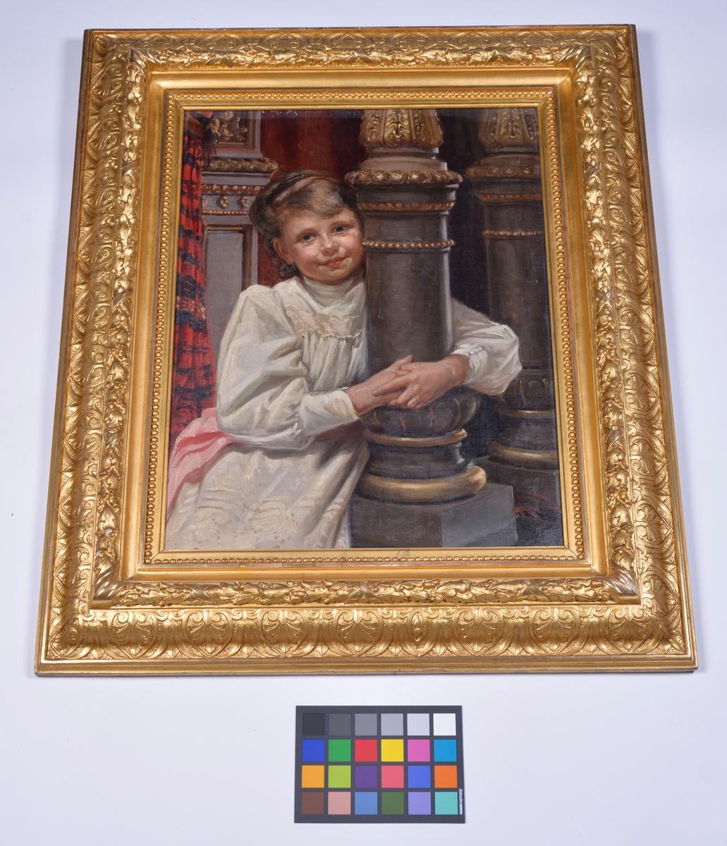 Porträtt av ung flicka.