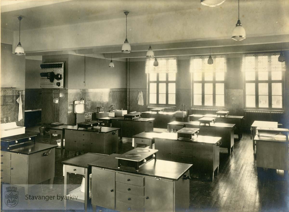 Klasserom med kokeplater