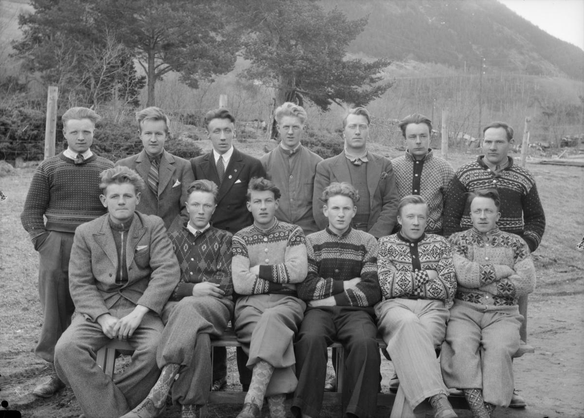 Elever ved Hjerleidske Husflidsskole avdeling Mosjordet 1938/39.