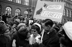Lisbeth Jonsson tar studenten vid läroverket i Sundsvall.
