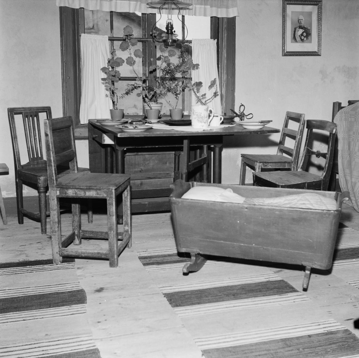 Hembygdsintresset börjar åter få fart i Söderfors, Söderfors socken, Uppland, december 1971