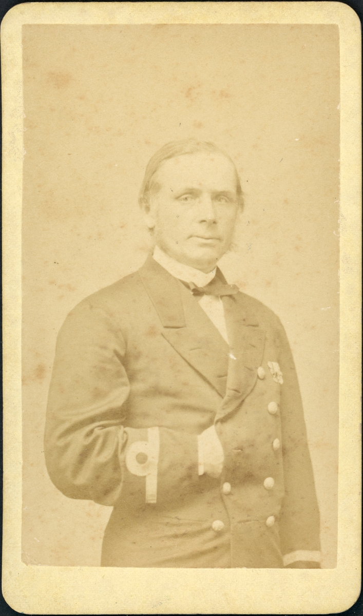 Kommendörkapten Carl Gustaf von Otter (1827–1900), porträtterad under sin period som befälhavare på korvetten HMS Josephine under långresan 1871–1872.