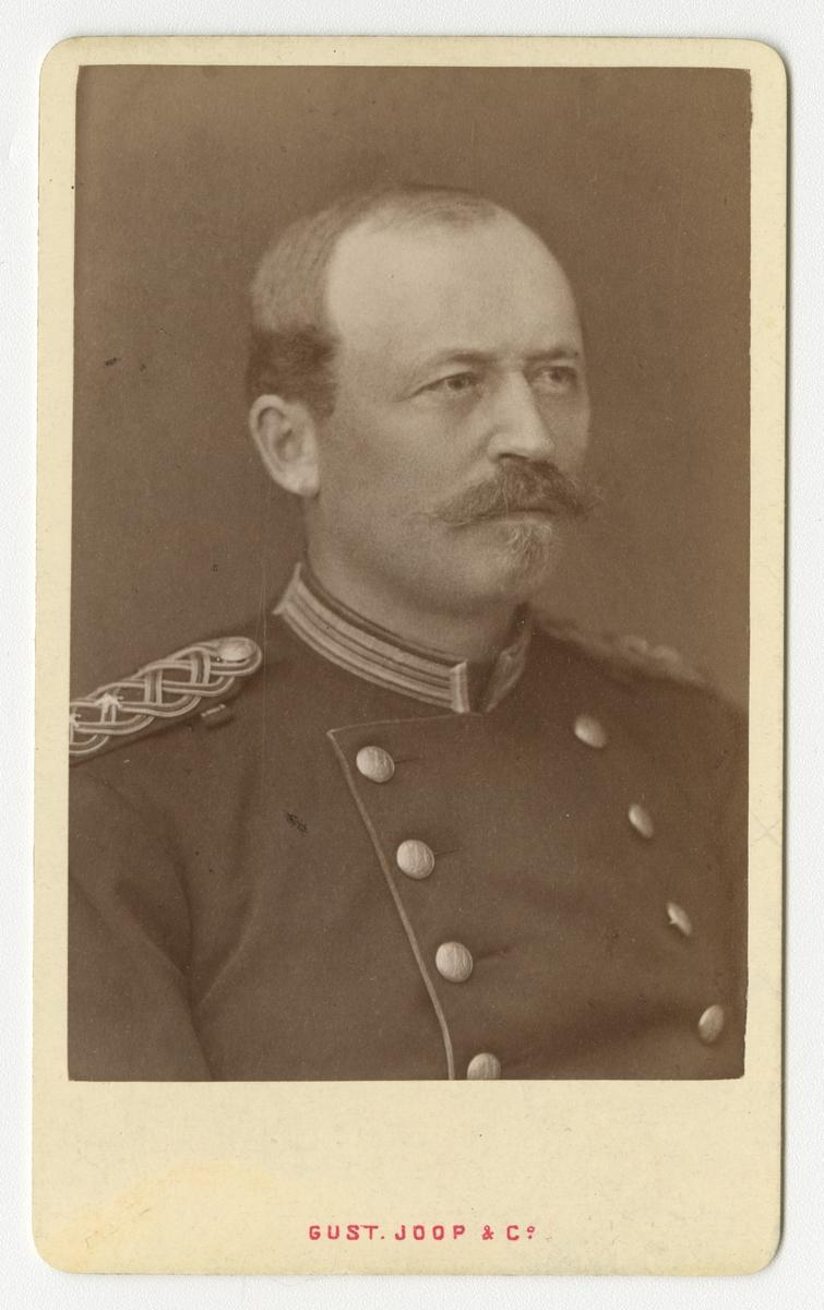 Porträtt av Lars Johan Hårleman, löjtnant vid Västmanlands regemente I 18.  Se även bild AMA.0007506.