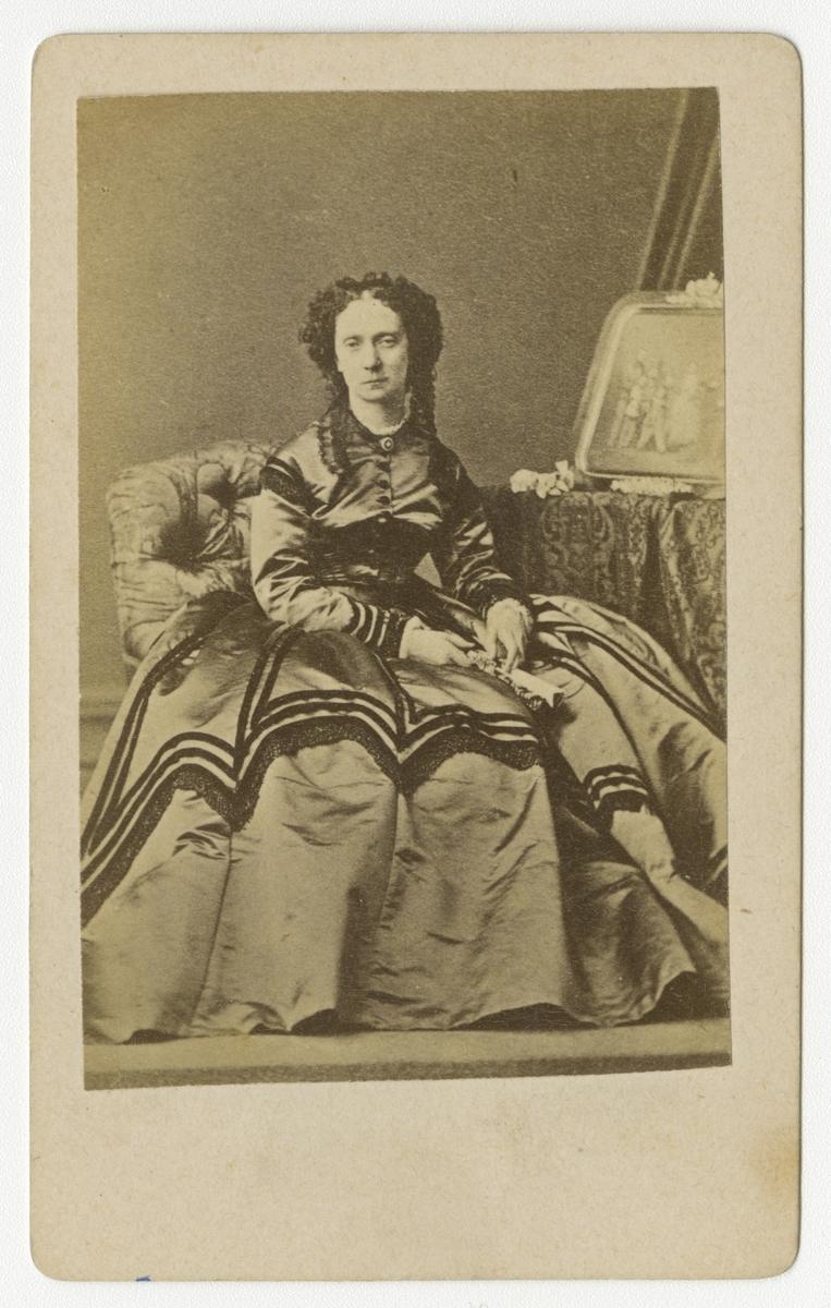 Porträtt av kejsarinnan Maria Alexandrovna av Ryssland.