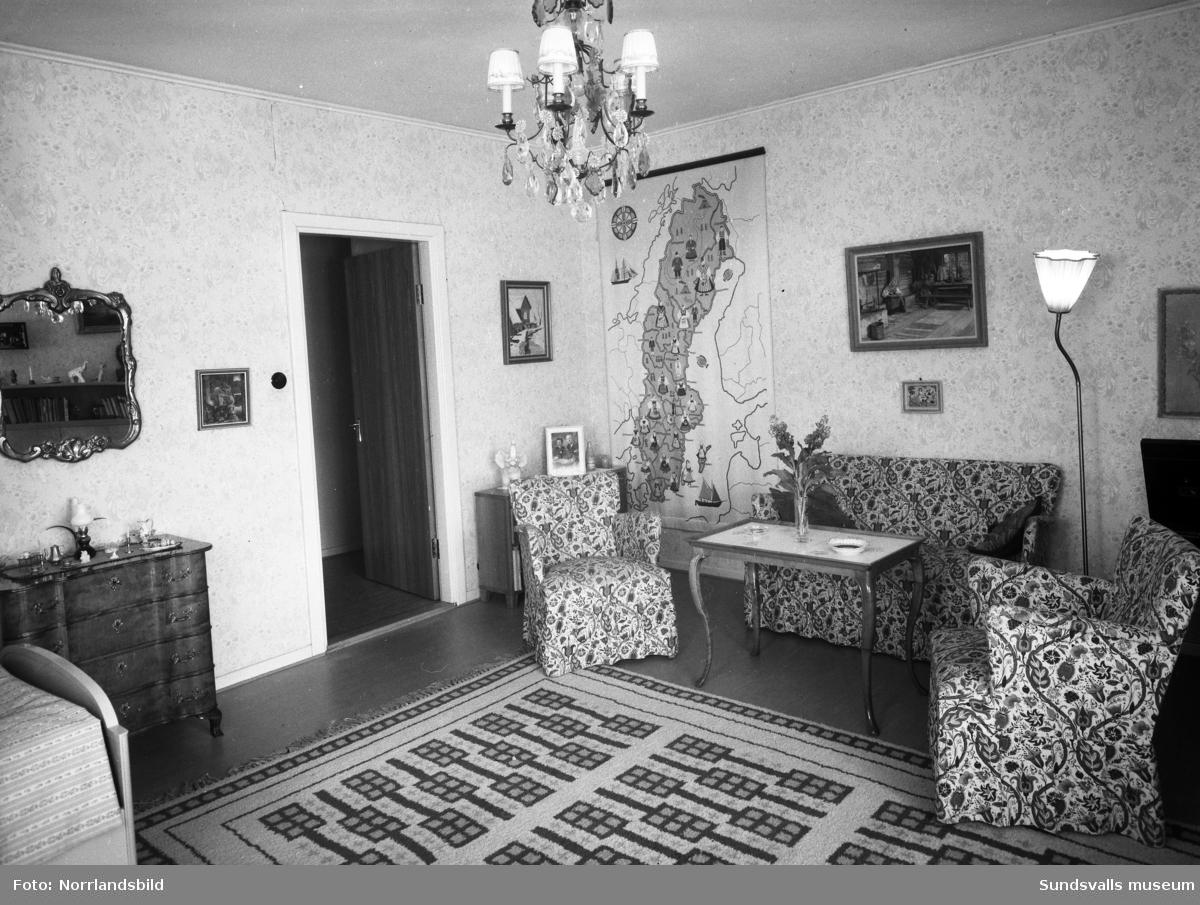 Interiörbilder från byggmästare Bäckströms hem på Södra Tjärngatan 3. Flickrum på övervåningen.