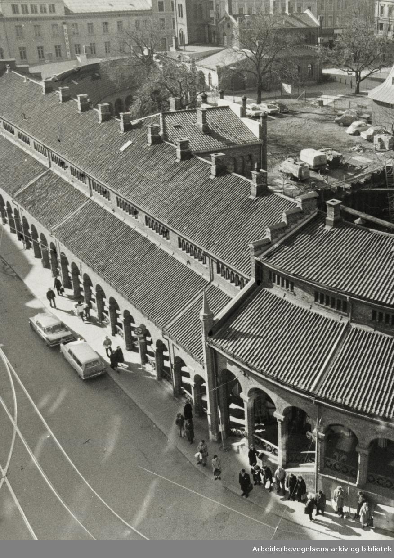 Kirkeristen. Basarhallen. April 1975