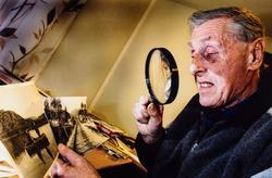 Abram Kjell Sørdal i fotosamlingen på Dalane Folkemuseum