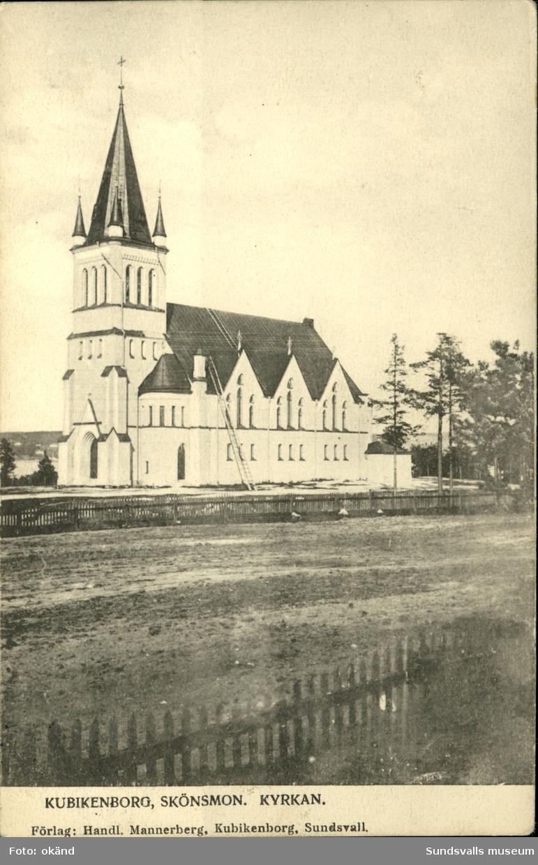 Vykort med motiv över Kubikenborgs kyrka i Sundsvall.