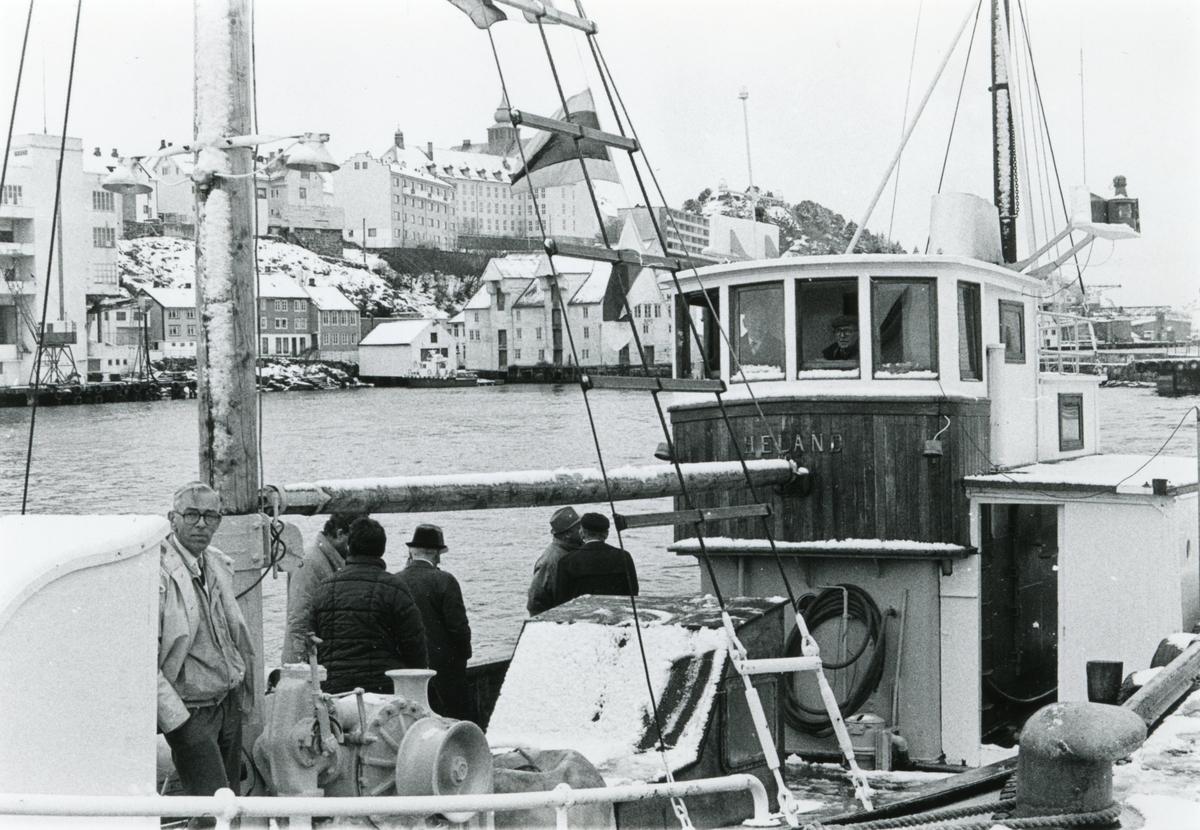 Bildeserie av gjensynstreffet for Shetlands- gjengen med Shetlands- Larsen ombord Heland i Ålesund.