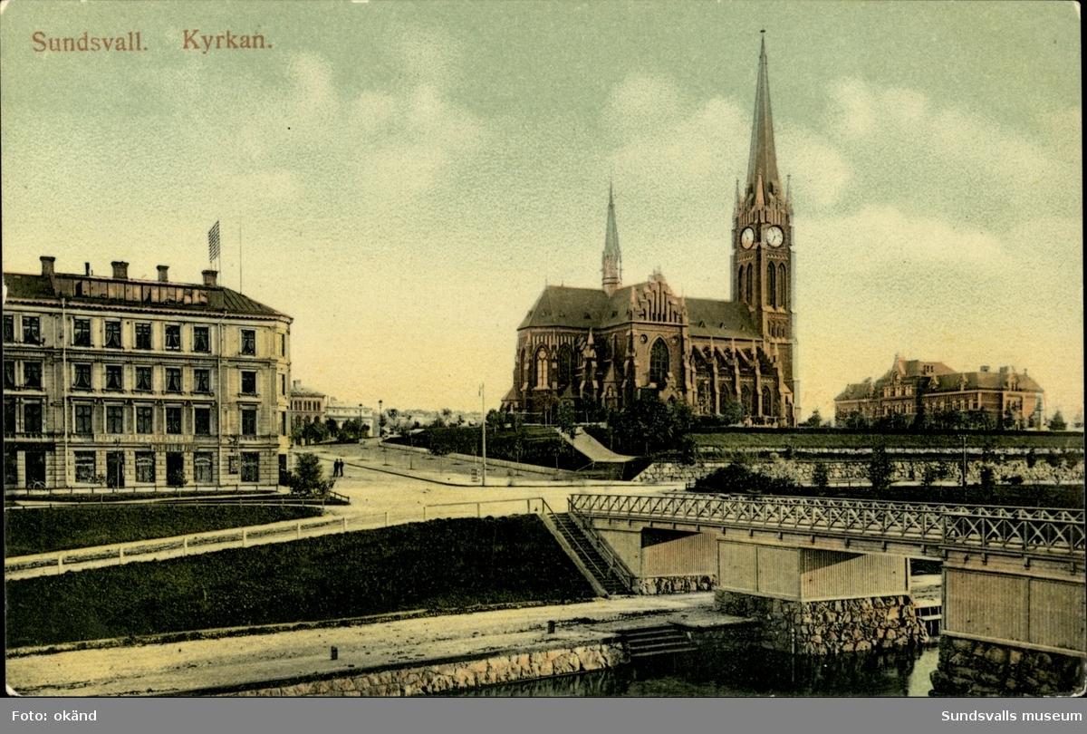 Vykort med motiv över Gustav Adolfs kyrka och Storbron.