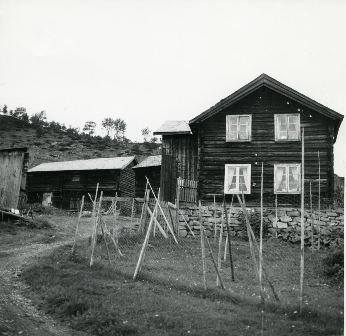 Bygningar frå tune på Gjevre, 75/1, Vang i Valdres