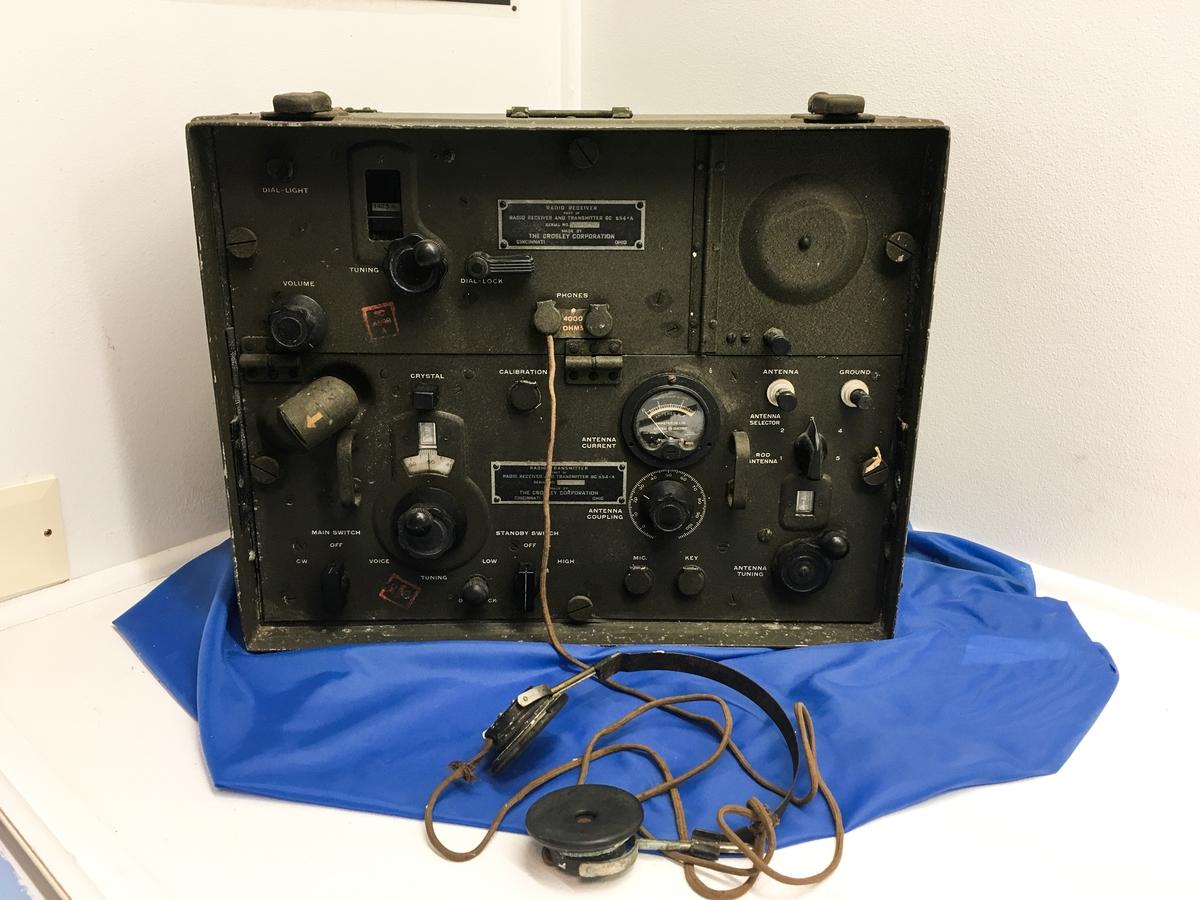 Radio med øretelefoner.