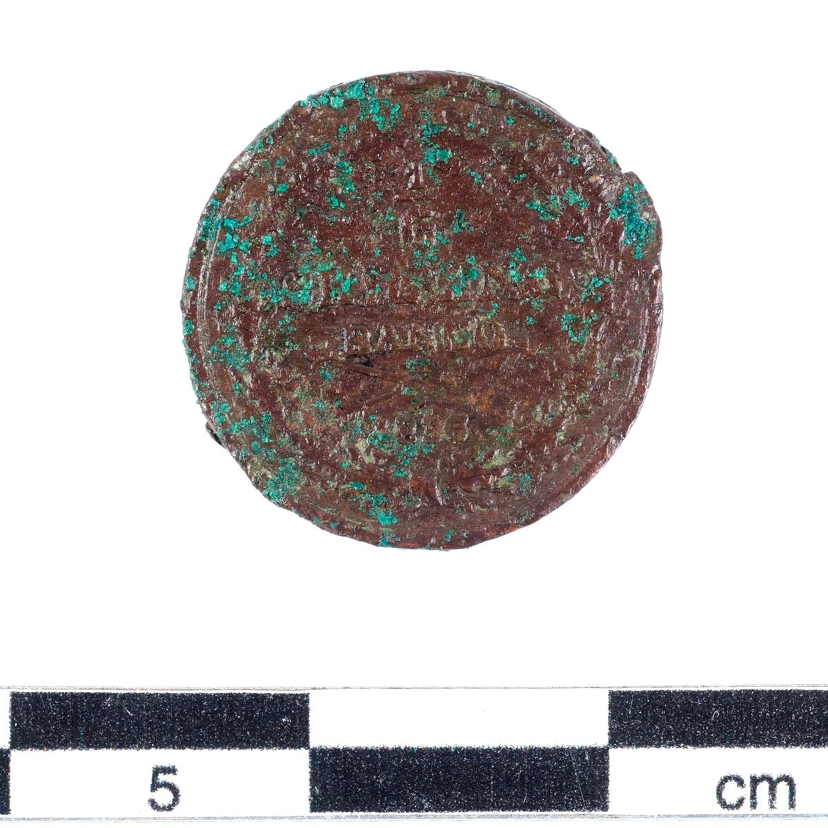 Mynt av kopparlegering. 1/6 öre. Präglat 1836 under Karl XIV Johans regeringstid (1818-1844).