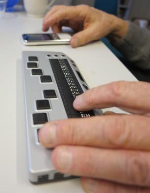 Mobiltelefon og mobil leselist (Foto/Photo)