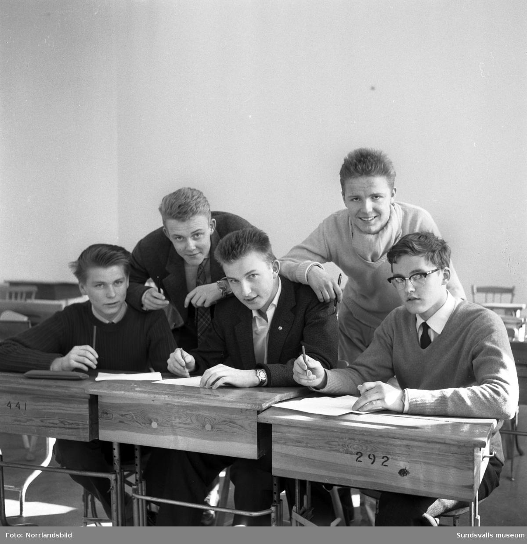 Fem läroverkselever deltar i en tävling kallad Brännpunkten.