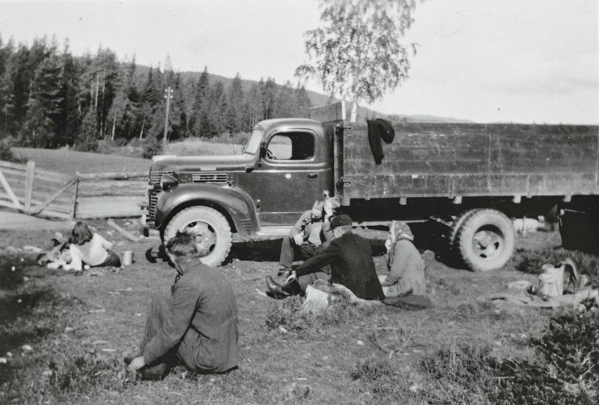 På veien Totenåsen-Odalen 1946