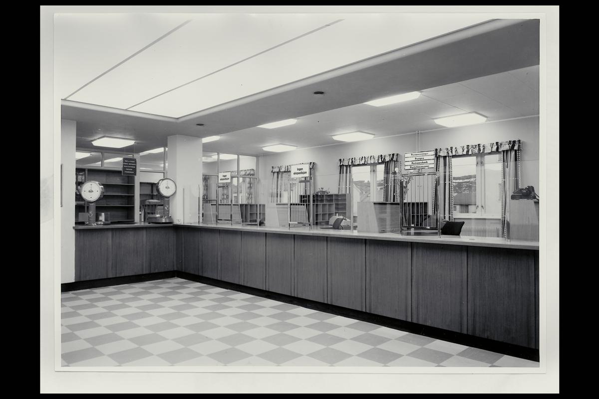 interiør, postkontor, 9900 Kirkenes, publikumshall, vekt