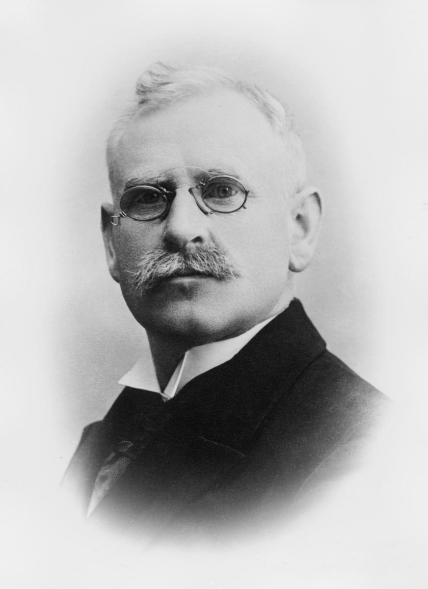 portrett, postmester, Nils Bjørn Nilssen
