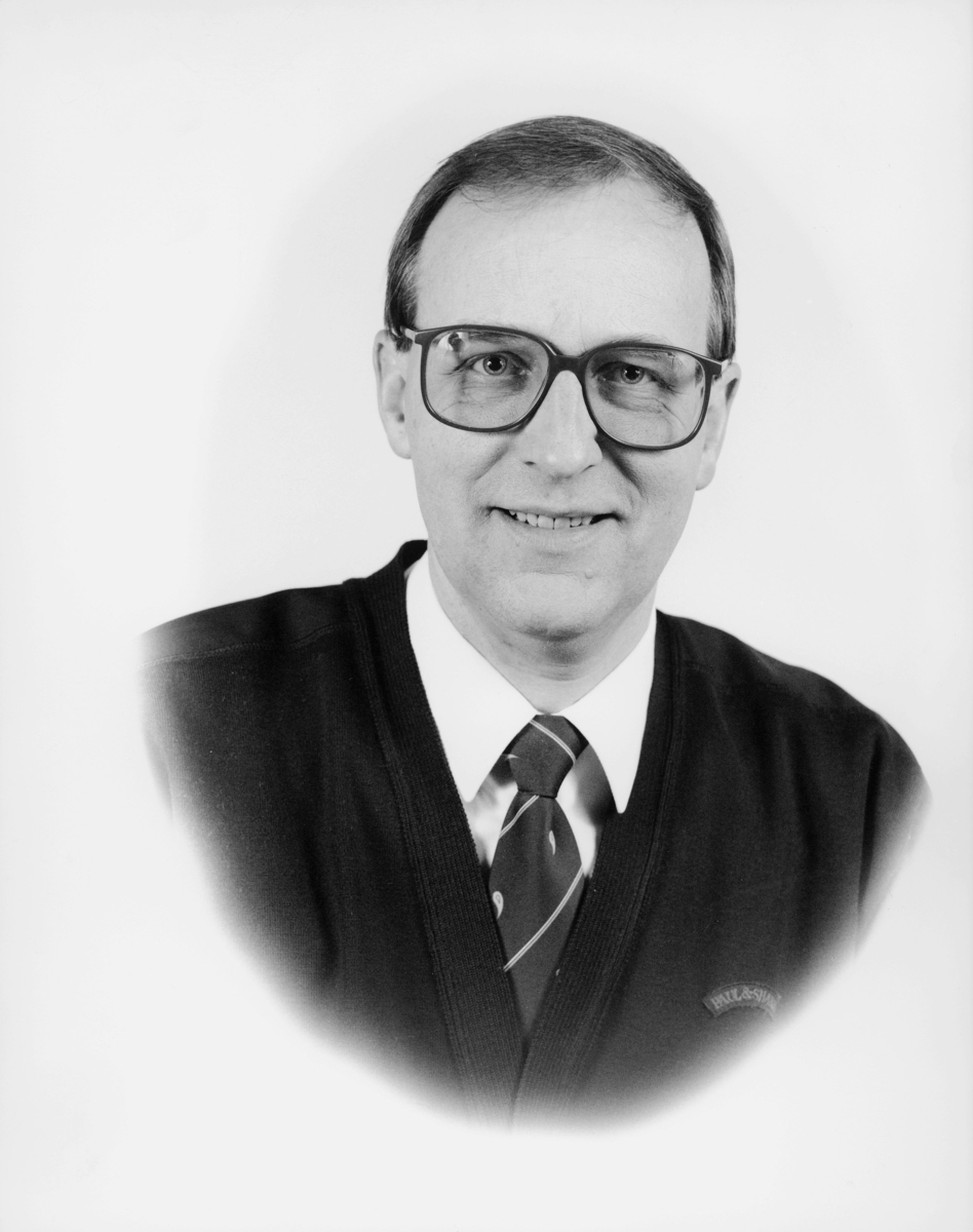 postmester, Finnsen Arild, portrett