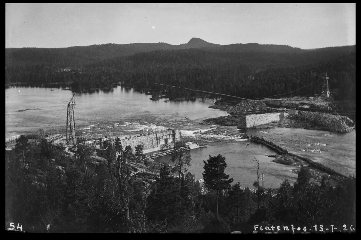Arendal Fossekompani i begynnelsen av 1900-tallet CD merket 0468, Bilde: 62 Sted: Flaten Beskrivelse: Oversiktsbilde. Fangdammen mot byggeplass.