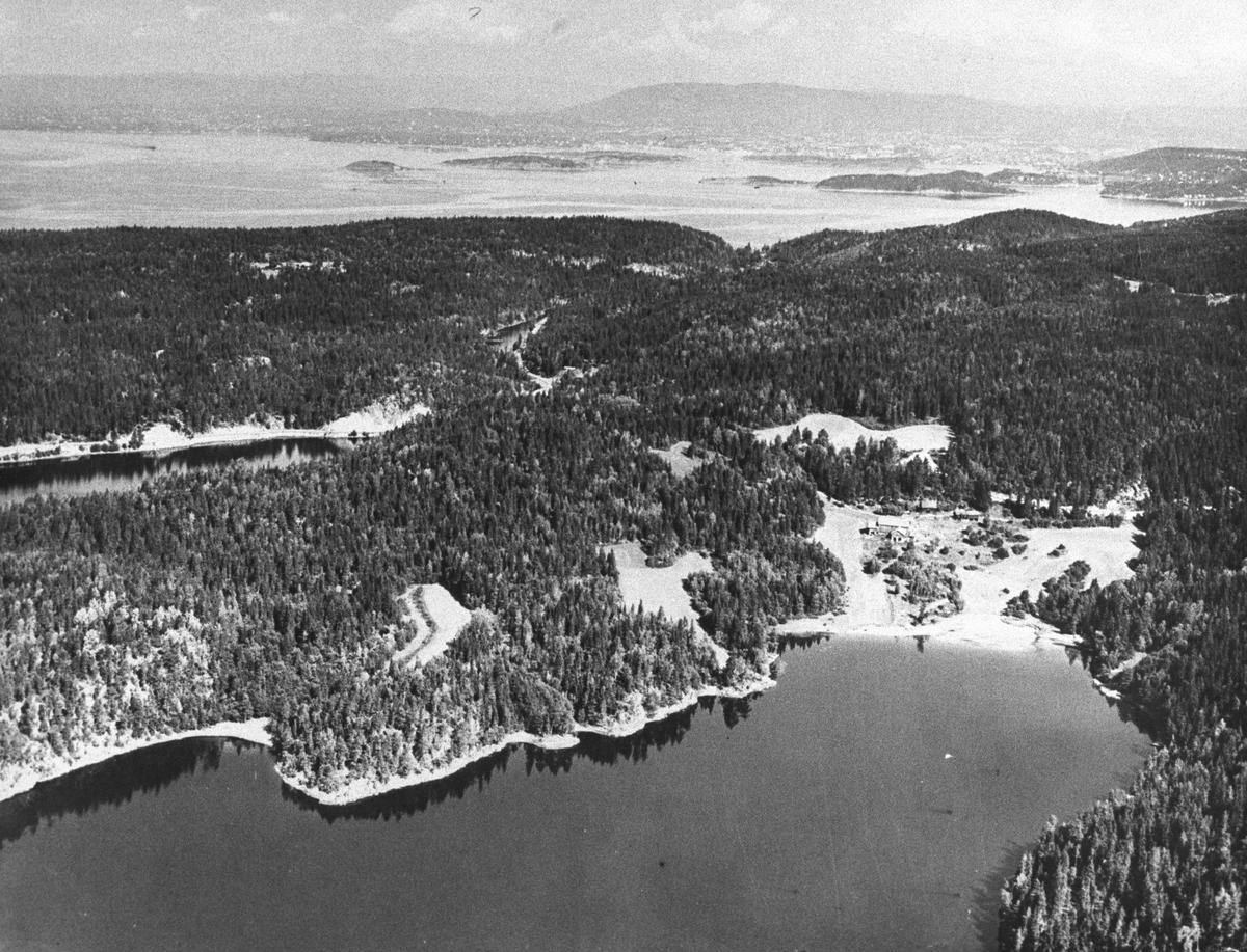 Gjersjøen med Vassbonn, flyfoto