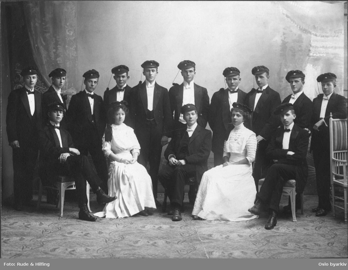 Klassebilde. Studentene av 1910.