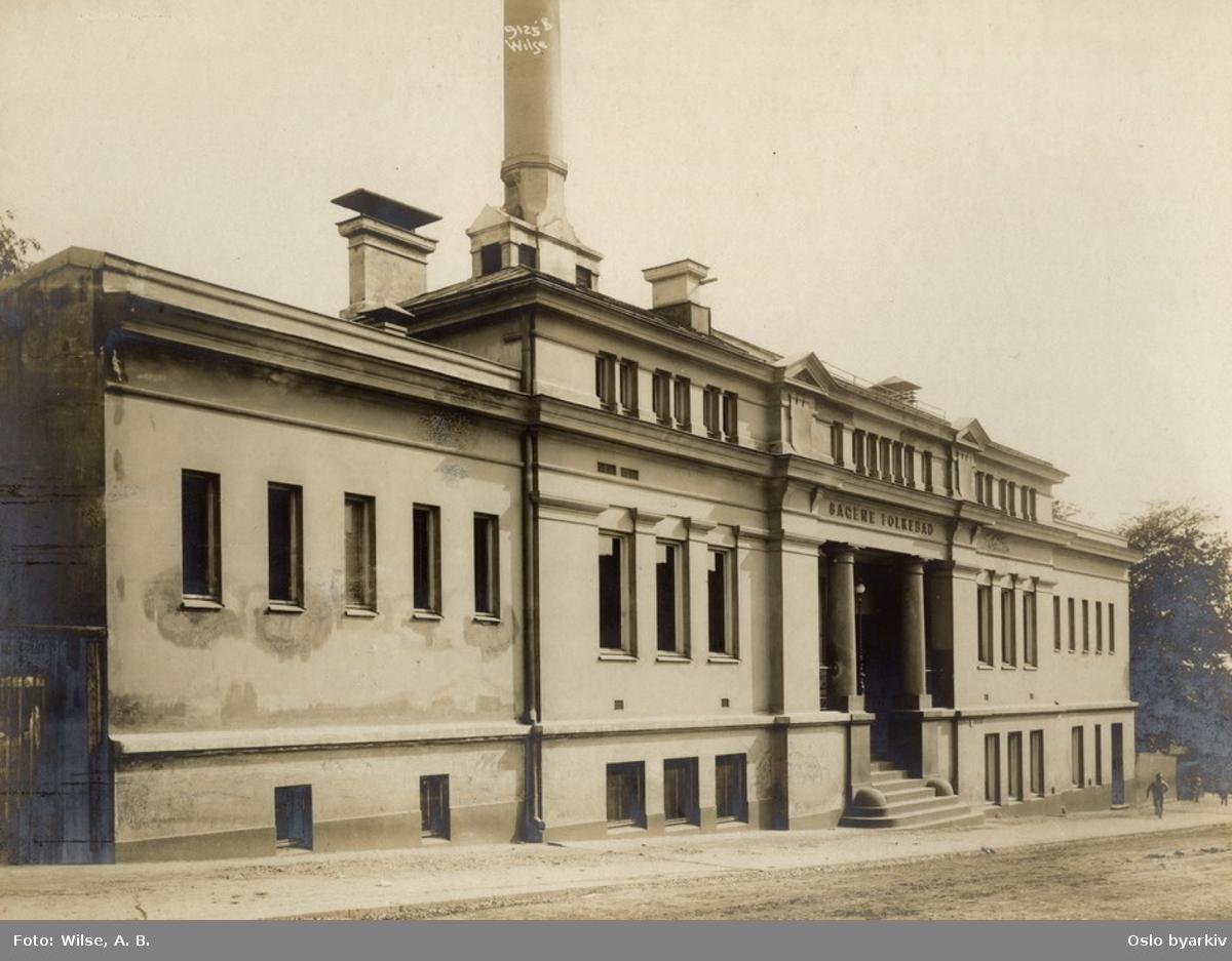 Sagene folkebad. Bildet tatt før den prosjekterte svømmehallen (1924-1926) ble bygd.