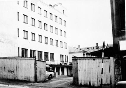 PLANKEGJERDE, ÅPEN GÅRDSPORT, SVERRESGATE 13, BAKGÅRDEN