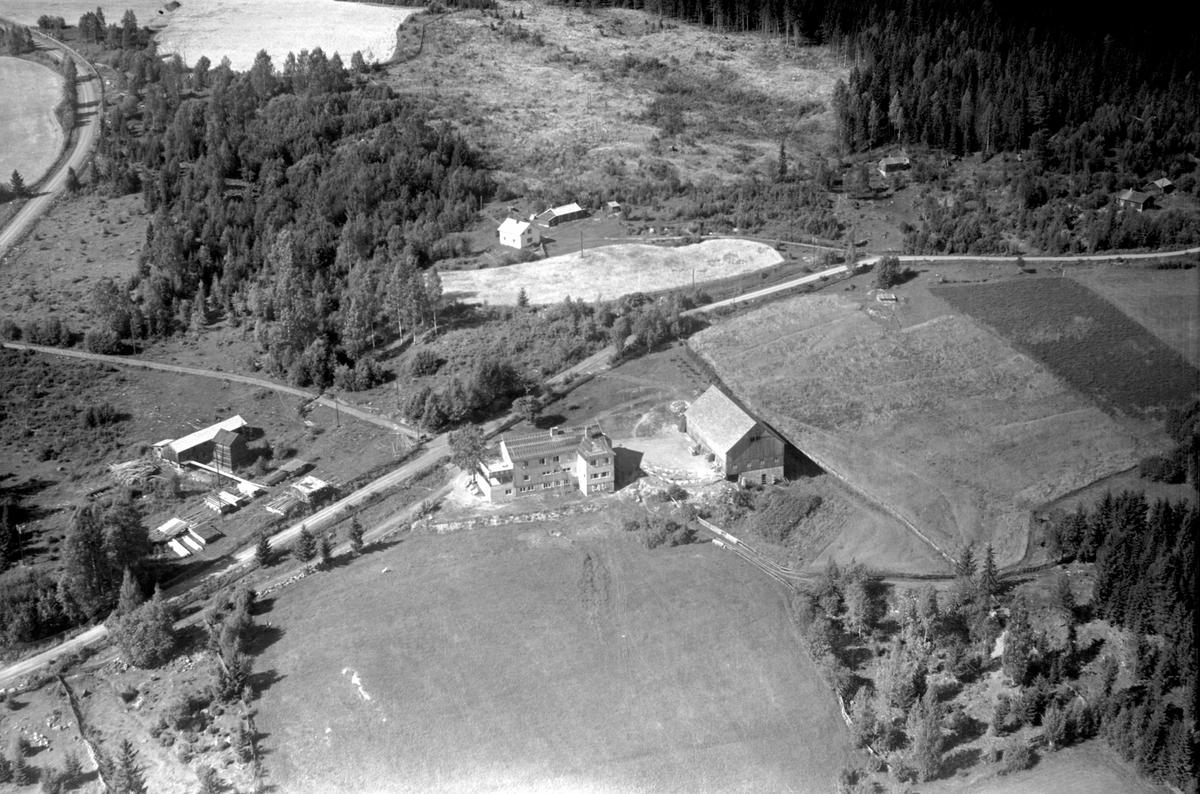 Flyfoto av Solbjør pensjonat, Fløtlia, Ringsaker.