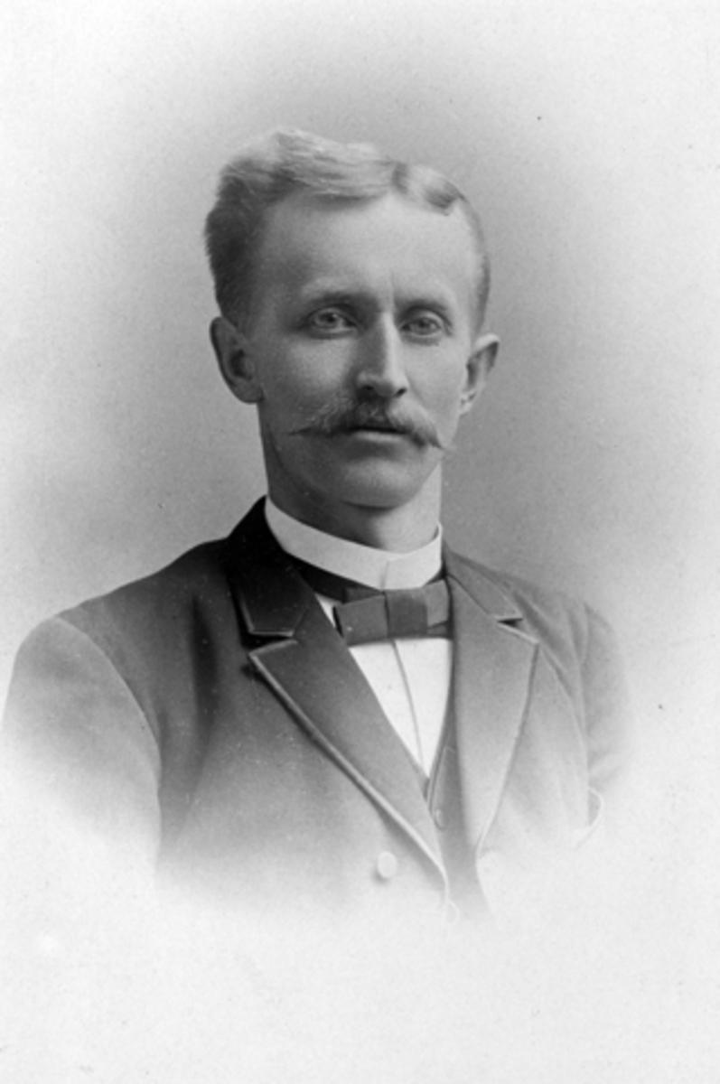 Johan Johannessen Stenseng, (1861-1931).