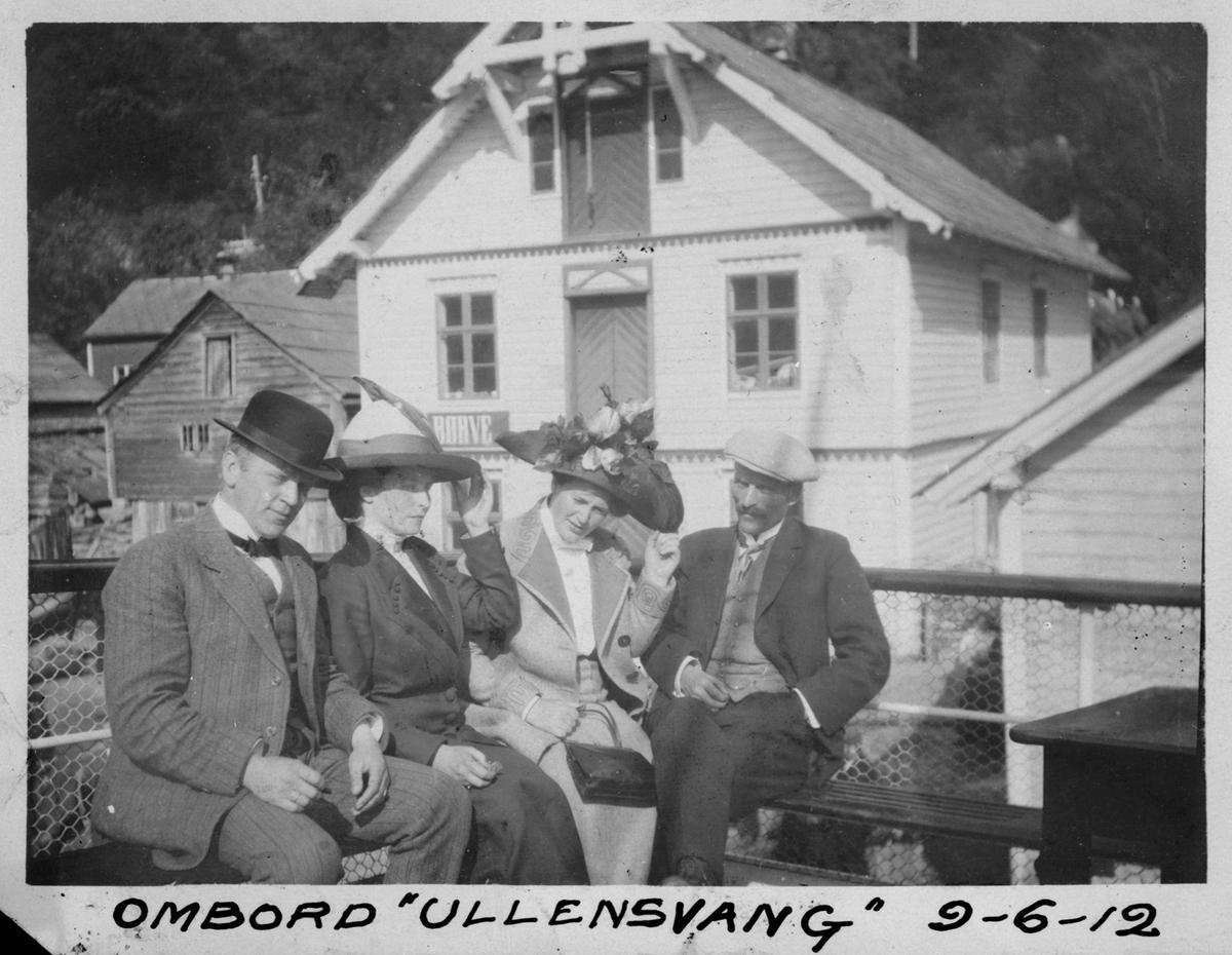 """Gruppe, 4, båtdekk på """"Ullensvang"""", bygningar"""