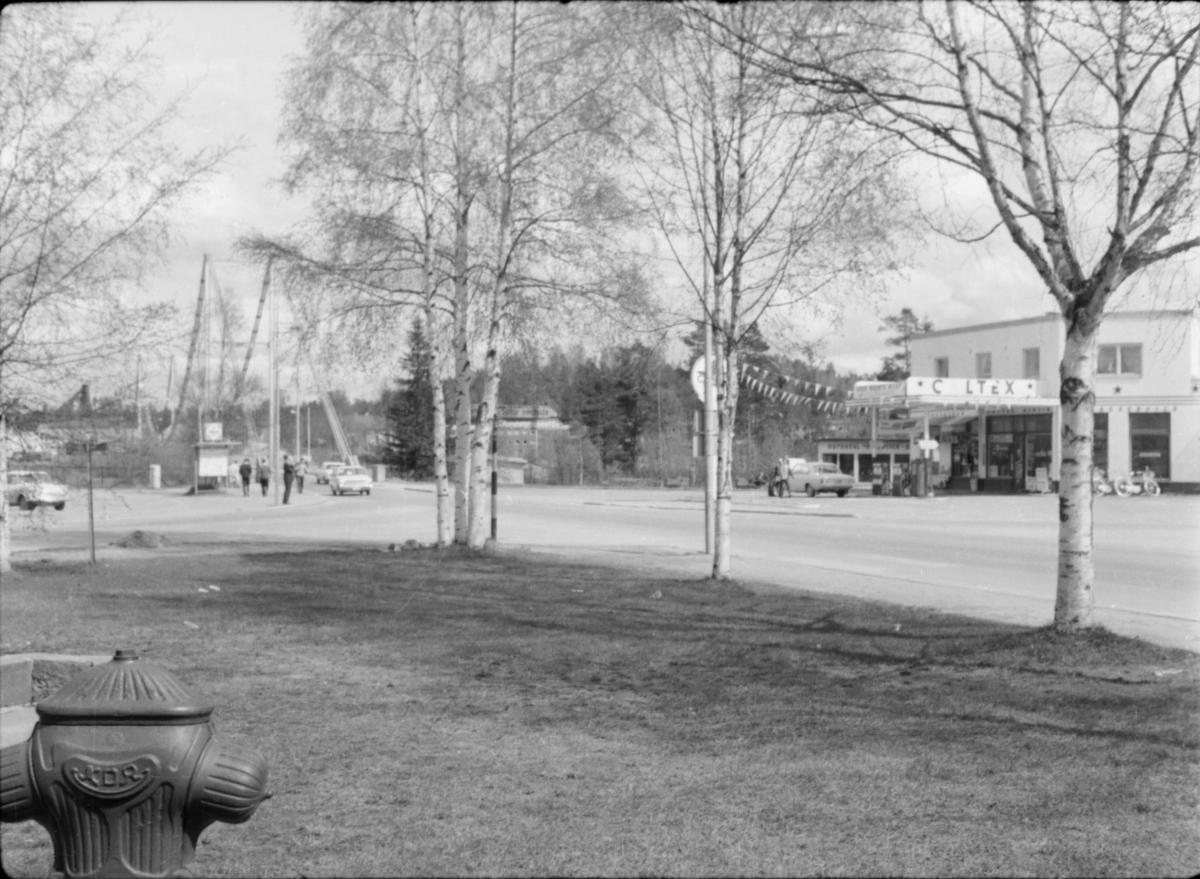 Vestad. Caltex-stasjon og Nybrua