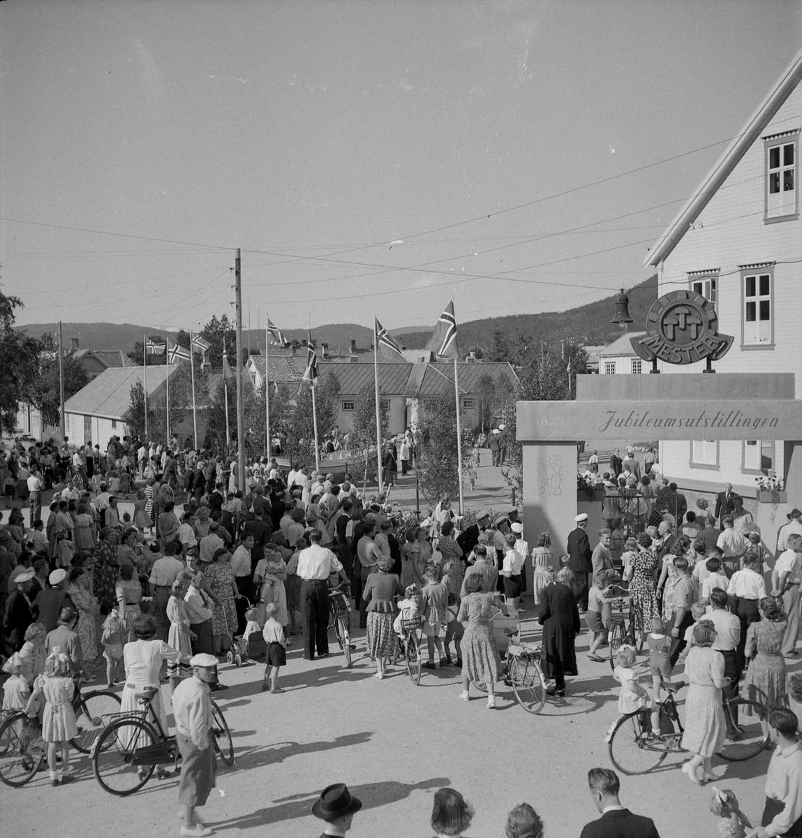 Fra åpningen av Mosjøens 75-årsjubileum