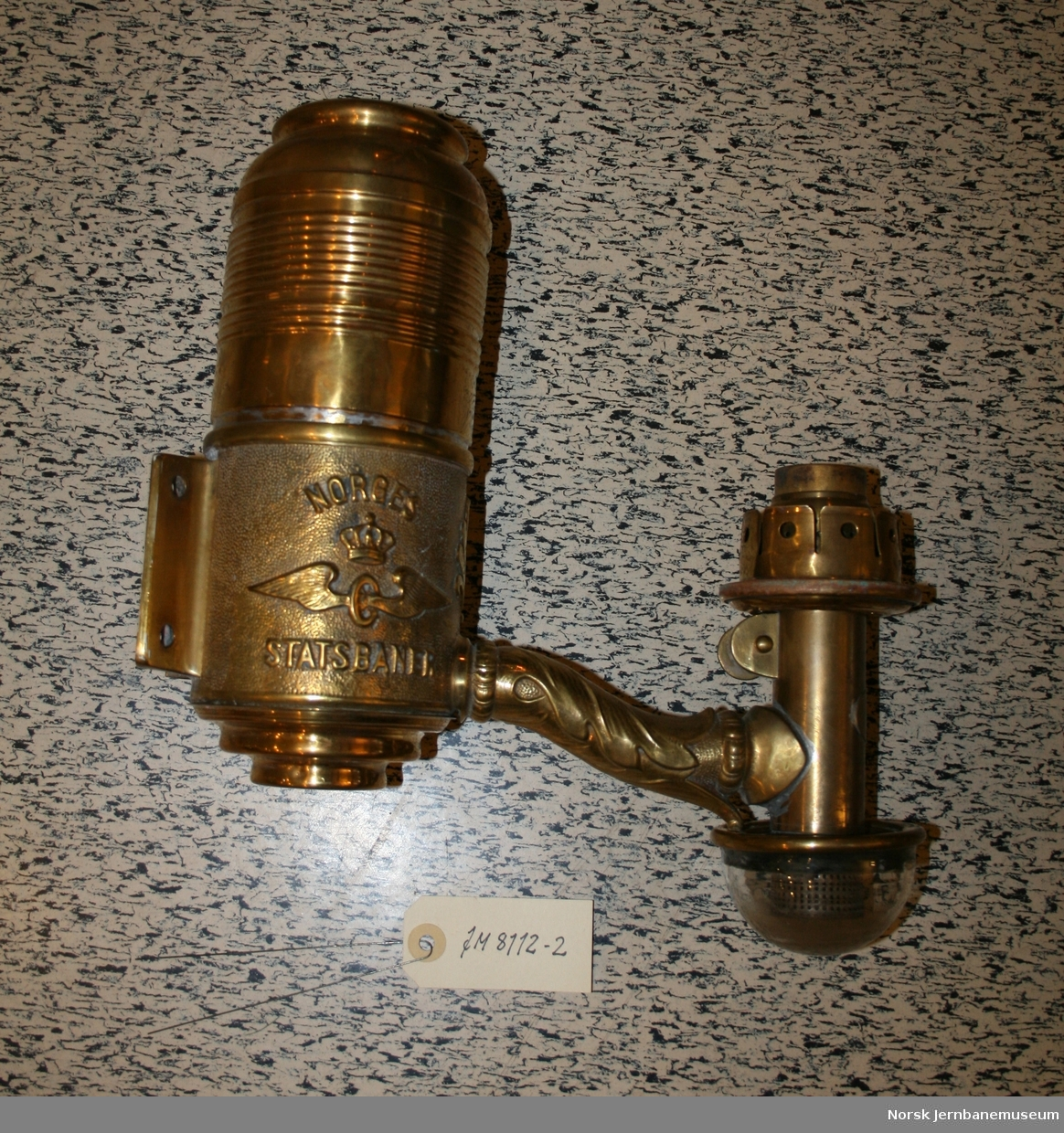 Kupélamper, parafinlamper i messing for personvogn.