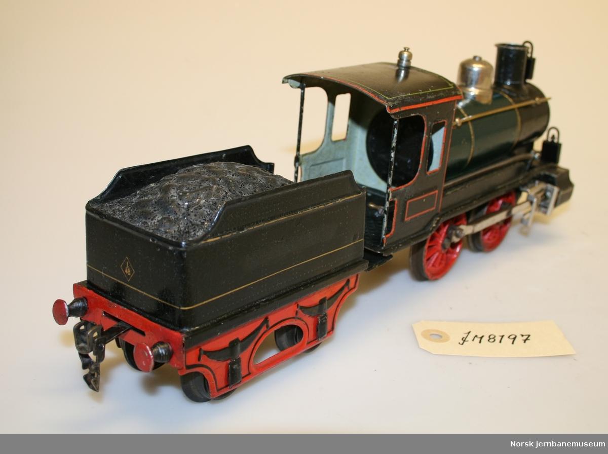 Lokomotiv med tender i spor 1.